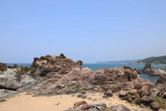 山形 十六羅漢岩